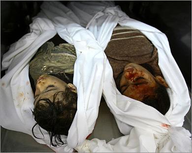 الطفلتان لما وهيا �مدان هل �ملتا السلا� أثناء ركوبهما عربة �مار لكي تستهدفهما صواريخ الا�تلال